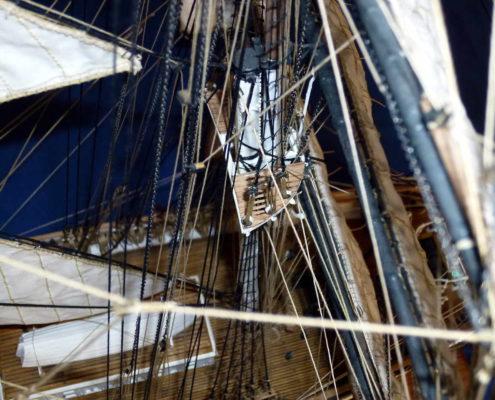 Dettaglio delle manovre e rigging della coffa del Cutty Sark