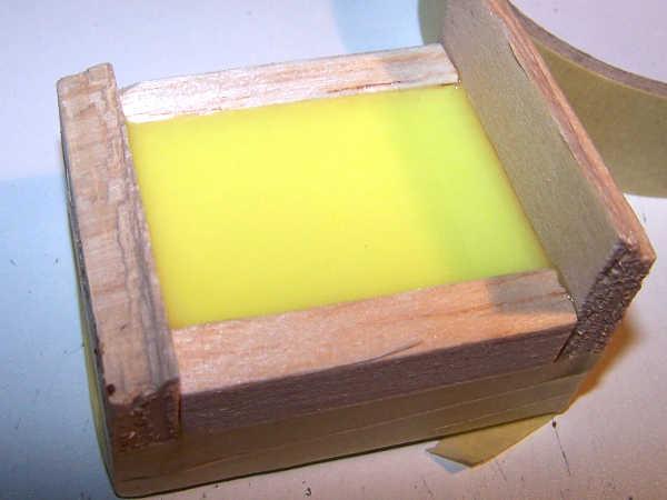 Il colaggio dello stampo in silicone