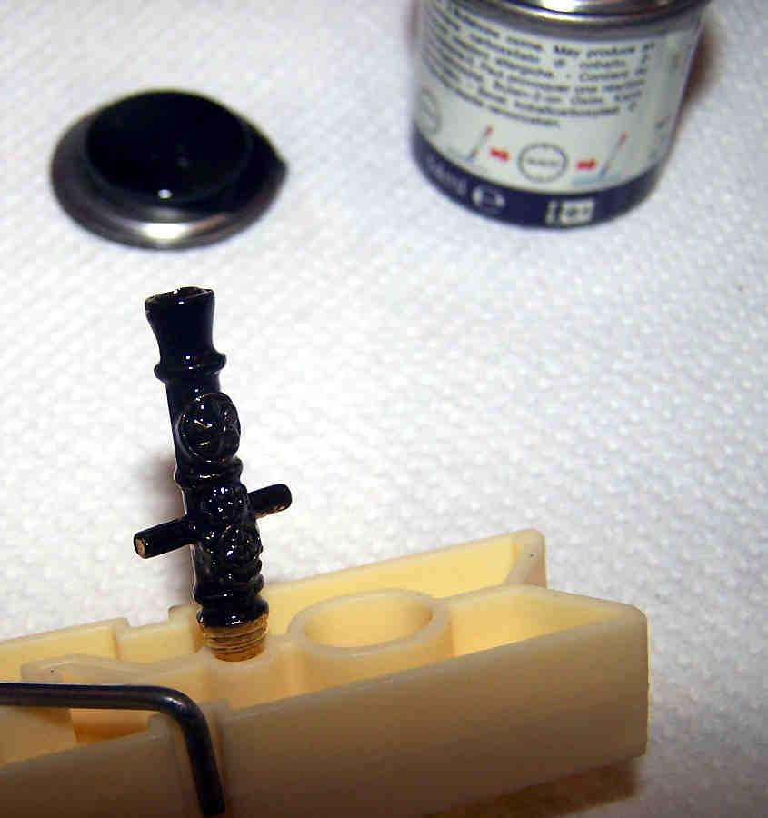 Le canne vanno colorate con un nero lucido ad olio