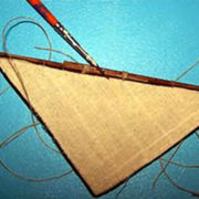 Si incolla la vela sull'antenna (immagine a bassa qualità)