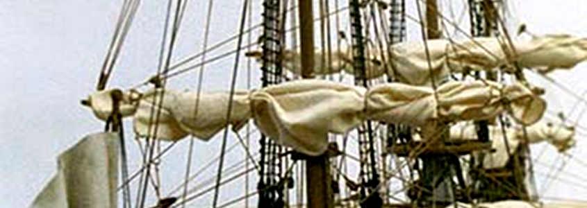 Le vele imbrogliate con la stoffa grossa tendono ad arrotolarsi a vite