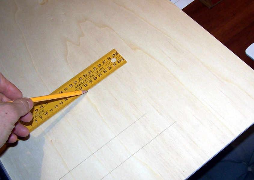 Si segnano delle linee parallele per facilitare l'allineamento delle ordinate