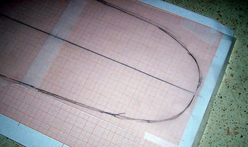 Il tracciato del ponte viene riportato su un foglio di carta millimetrata dove verranno riporti gli ingombri delle sovrastrutture.