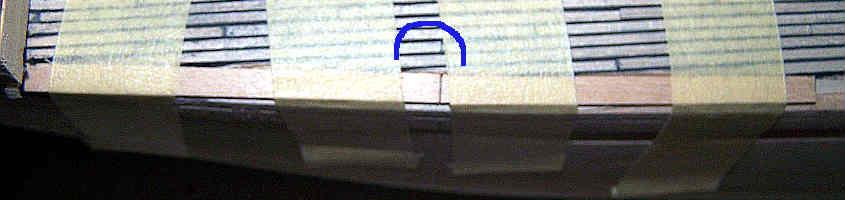 Carteggio il lato interno dei due spezzoni del trincarino della prua.