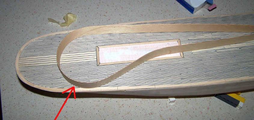 Per creare l'impavesata della RRS Discovery utilizzo una striscia di compensato di betulla.
