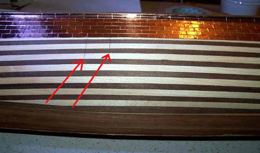 Per allineare le piastre di rame ho tracciato due linee verticali.
