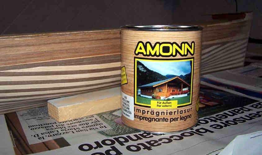 Il barattolo di impregnate per legno che ho utilizzato.