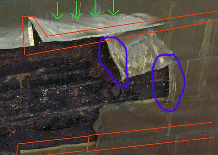 La foto scattata a Londra nel 2006 mostra come venivano inchiodate le lastre di rame sullo scafo.