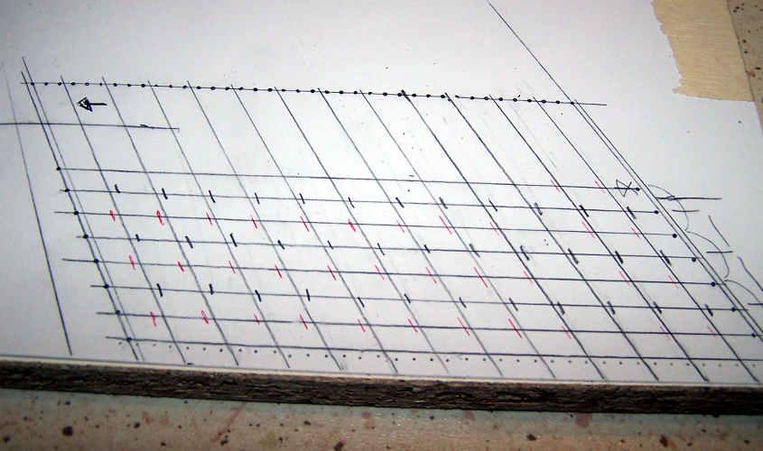 Disegno la griglia che definisce la posizione dei fori per i rivetti.