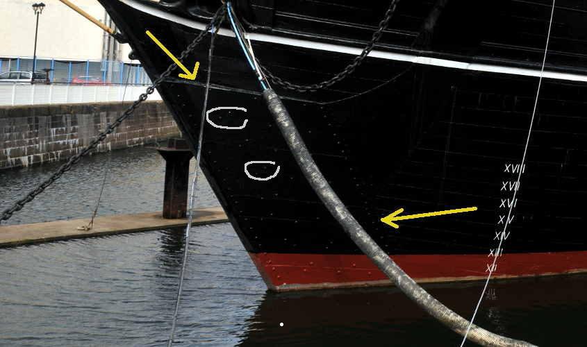 Si parte con un'attenta osservazione delle foto dalle quali si deduce la trama dei rivetti di ancoraggio.