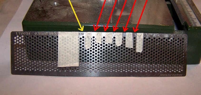 I rivetti orizzontali hanno un spaziatura maggiore.