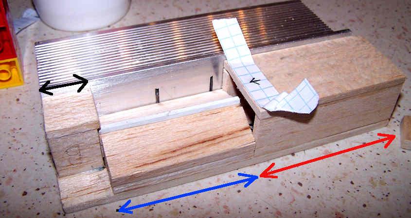 Le proporzioni della struttura della caldaia sono state ricavate dalle immagini.