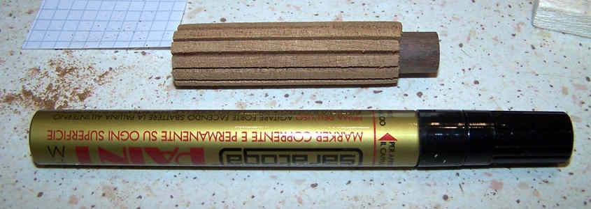 Per rivestire il camino della RRS Discovery utilizzo un foglio di plasticar della Evergreen.