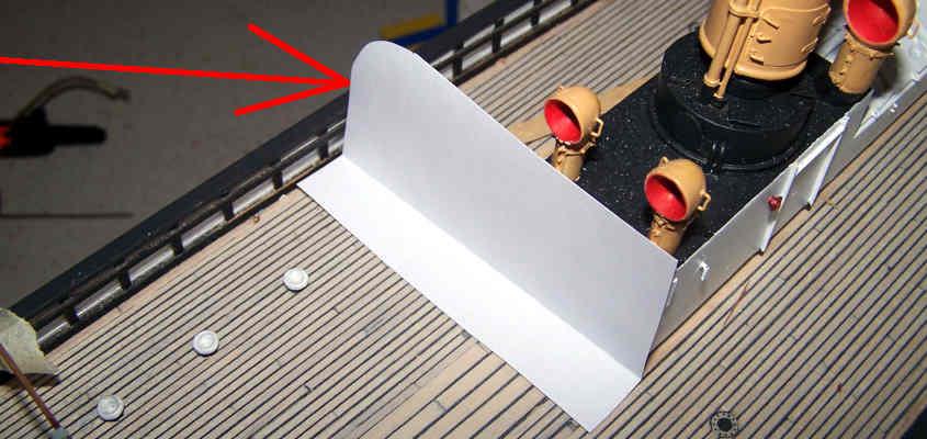 Una sagoma di carta mi serve per costruire la dima per i tralicci della RRS Discovery.