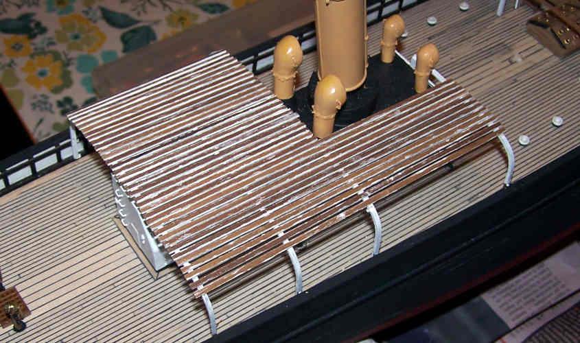 Il rivestimento della struttura della caldaia a vapore è finito.