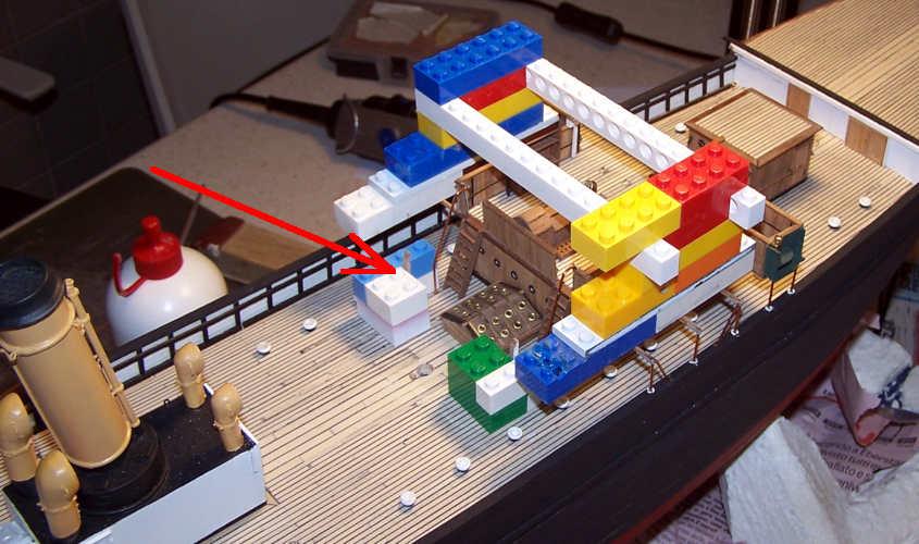 Per garantire il perfetto allineamento (soprattutto verticale) utilizzo un traliccio provvisorio.