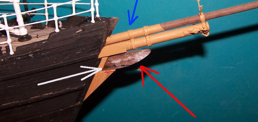 Riduco lo spessore la centro della ruota di prua e la incollo sullo scafo.