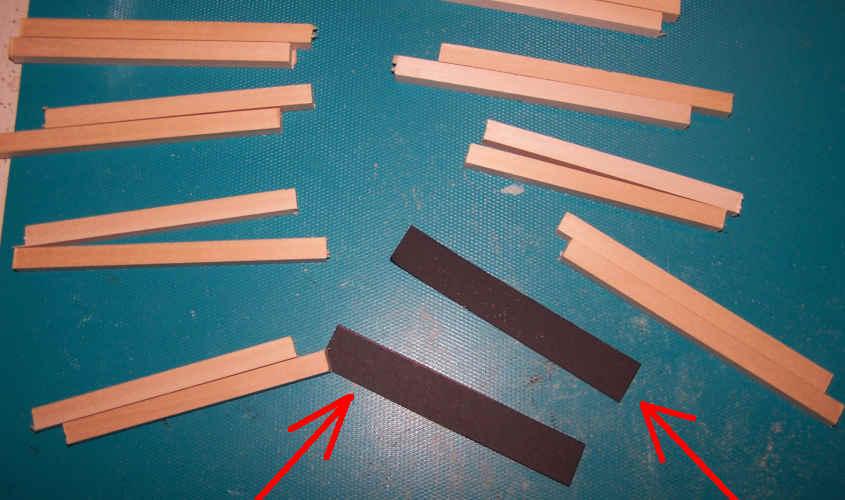 Per la struttura delle scialuppe utilizzo dei listelli di ramino.