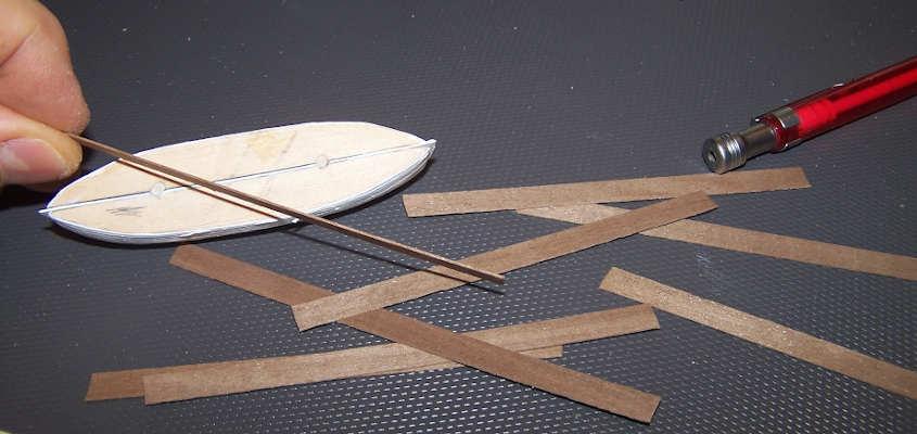 Per il trincarino utilizzo dei listelli di noce d 0,5 mm.