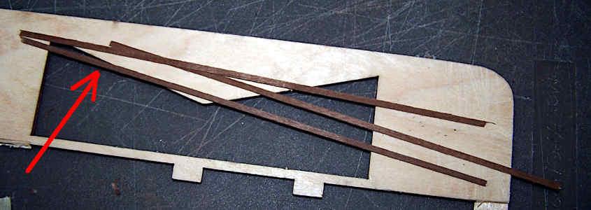 listello noce curva impavesata Step 1 di come si incollano dei listelli di noce per aumentare lo spessore.